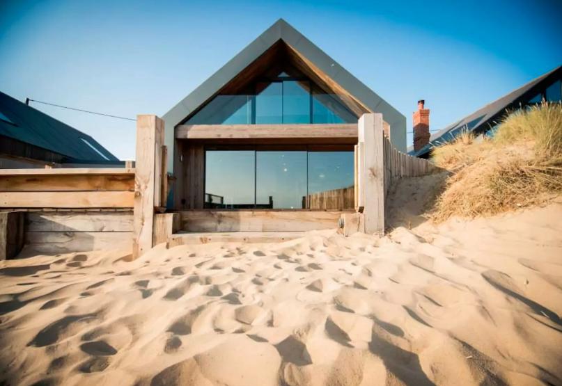 The Blue House On Beach Sus