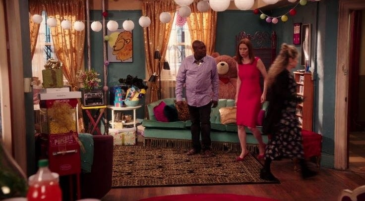 Kimmy considerably upgraded from her Indiana bunker when she scored this Brooklyn apartment. In the show, the apartment costs $475 per month. Between her and Titus, that's only $237.50 a person! Not too shabby.But the current market value for the apartment IRL is around $1,300 per month, or $650 split between the two of them. That's still pretty reasonable, and Kimmy could ~probably~ afford that on her nanny salary.