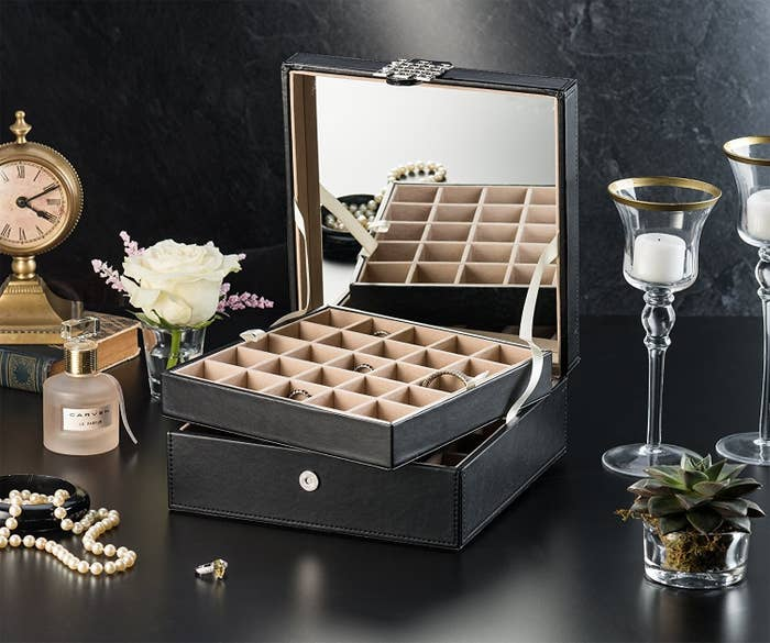 Get the jewelry box here.