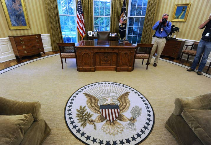 pictures of the oval office. the oval office periodically undergoes changes to its carpet couches drapes and wallpaper suit each presidentu0027s personal tastes pictures of