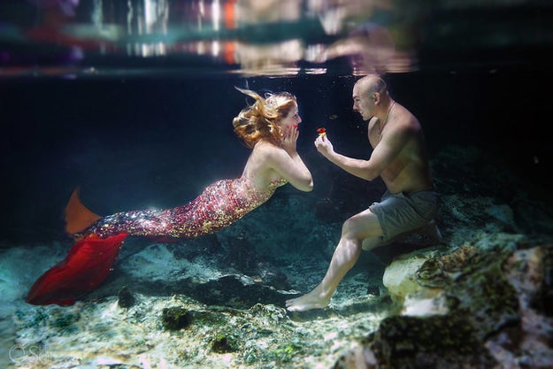 But that wasn't the last proposal Martinez had planned! He then gave Cuoco an underwater photo shoot to celebrate her love for mermaids.