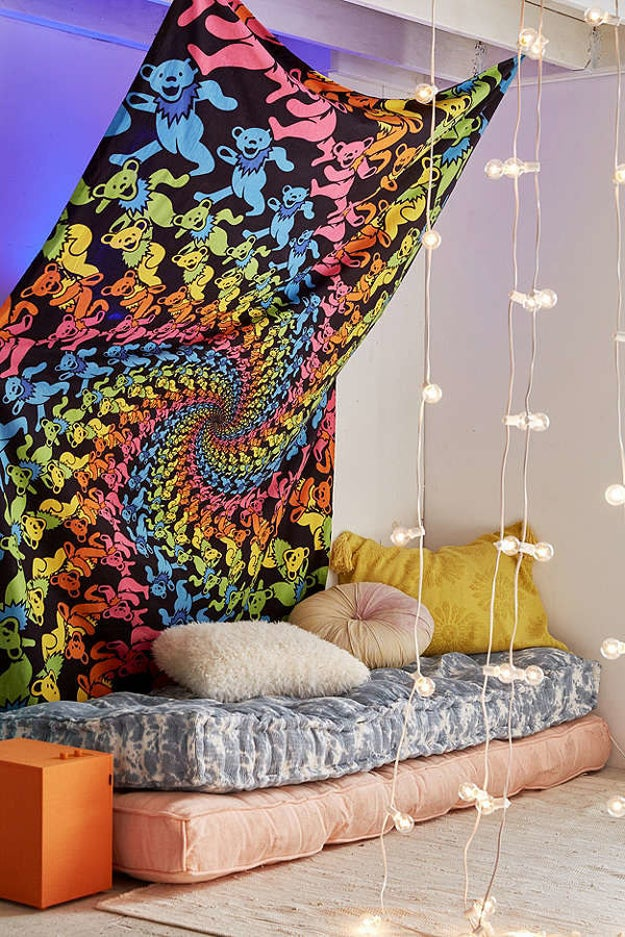 Cool Things To Hang From Ceiling