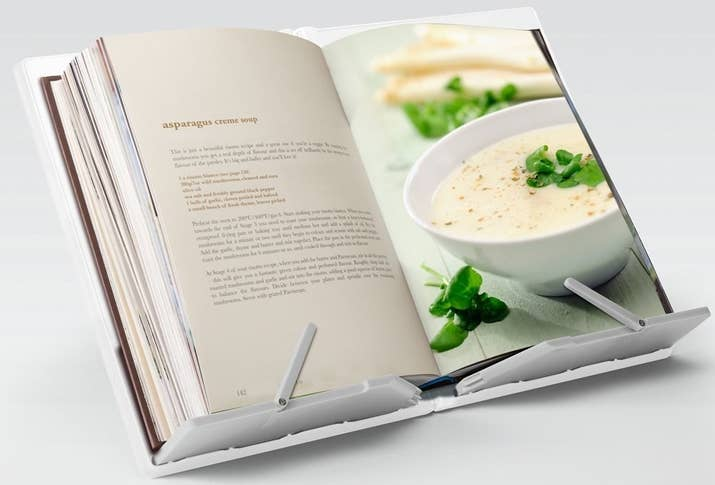 39 things every messy cook needs for their kitchen a cookbook and tablet stand so you never lose your page forumfinder Gallery