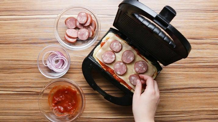 Resultado de imagem para pizza na sanduicheira