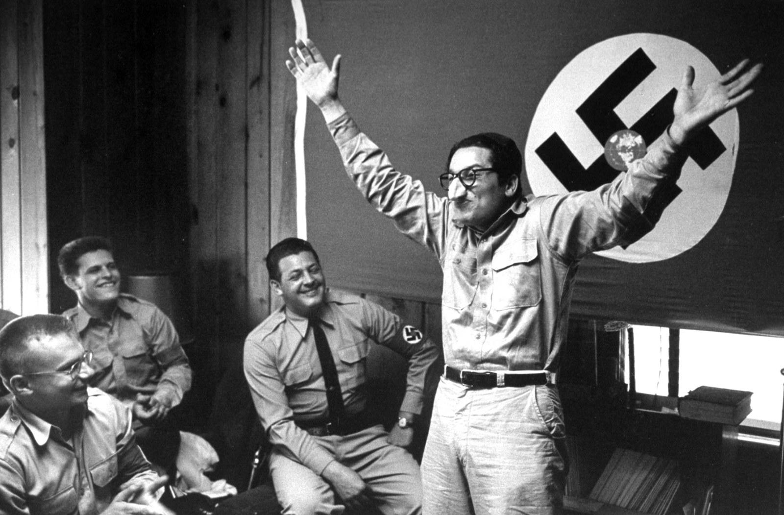 あなたの知らない、アメリカのナチス。写真は語る