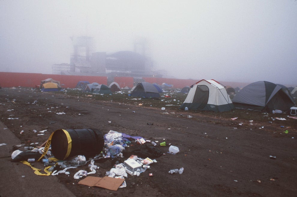 36 Pictures That Show What A Huge Shitshow Woodstock 1999
