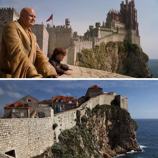 """Esta popular atracción en el casco antiguo de Dubrovnik tiene una extensión, sin interrupciones, de alrededor de 1,2 millas alrededor de la ciudad y tiene una historia larga e impresionante. Las murallas son también un gran lugar para tener una charla larga y honesta sobre cómo jugar """"el juego"""" (¡de tronos!) con su Señor de los Susurros favorito."""