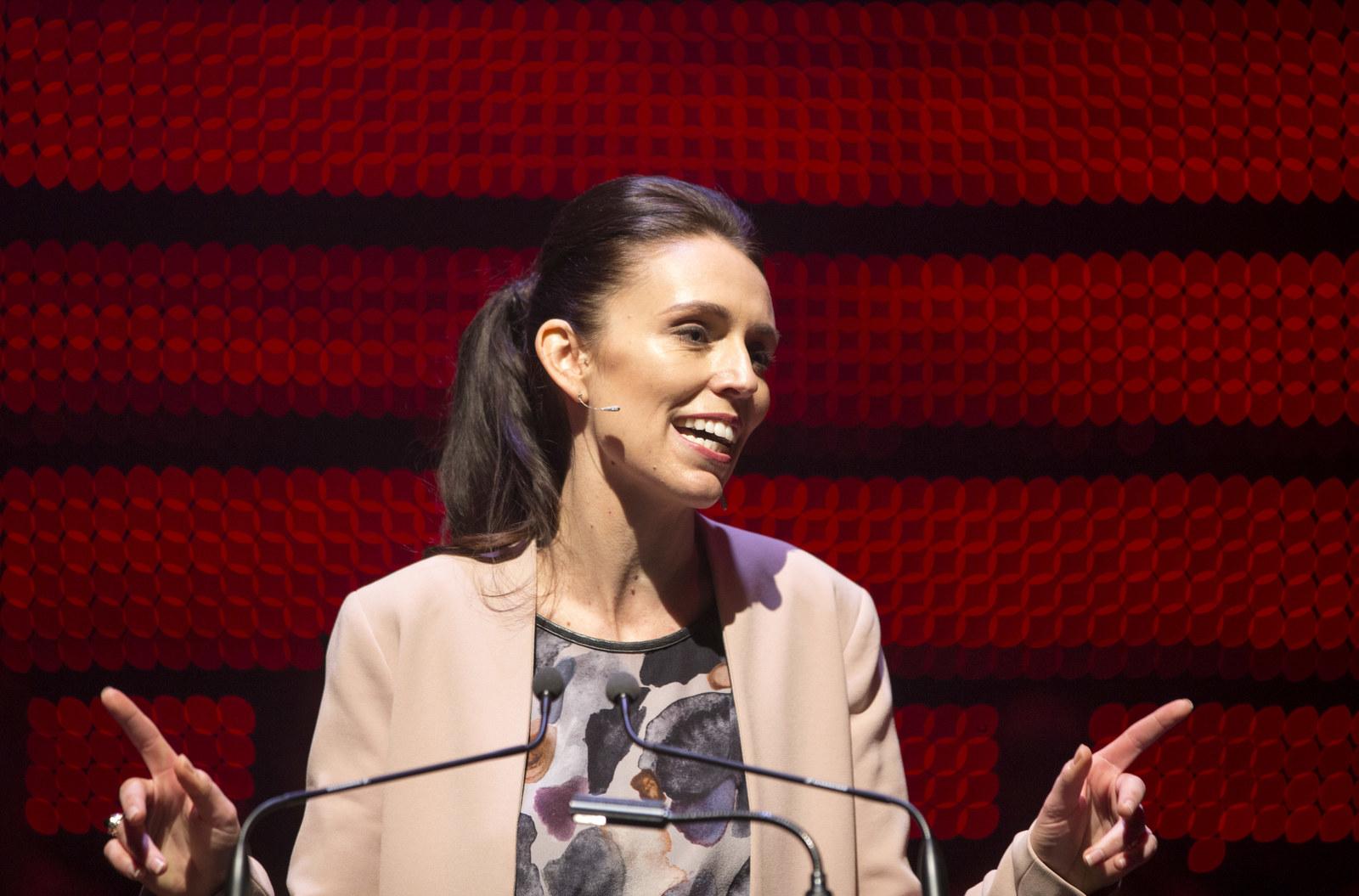 Jacinda Ardern Pinterest: Women Are Tweeting Selfies Because A Politician Was Asked