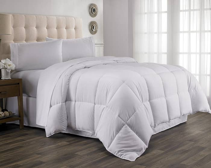 17 A Cuddly Down Alternative Duvet Insert You Ll Want To Swan Dive Into Every Night