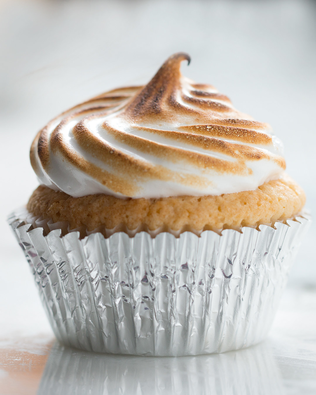 These Lemon Meringue Cupcakes Are Out Of This World Delicious