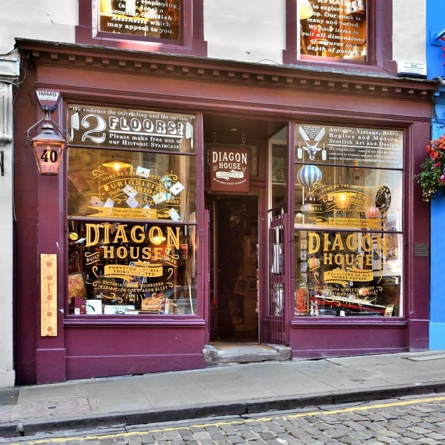 """Everyone's Going Batshit For This """"Harry Potter"""" Shop In Edinburgh"""