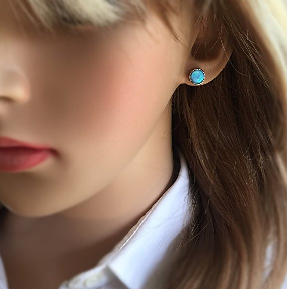 """Average rating: 5/5Promising review: """"I had these in my 'wish list' for about a year before finally deciding to buy them. I have carefully studied the reviews of all other buyers as they are quite expensive. I have received the earrings today and they are exactly as described and shown at the picture."""" – AndreaGet them on Amazon, £39"""