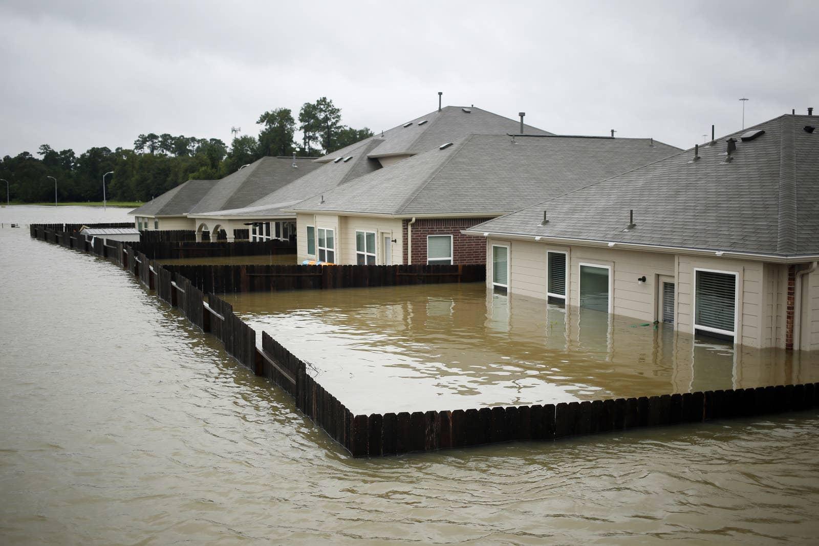 台灣有天必須面對這樣的天災?50年來「最強颶風」肆虐德州,21張照片讓你重新認識大自然的可怕!