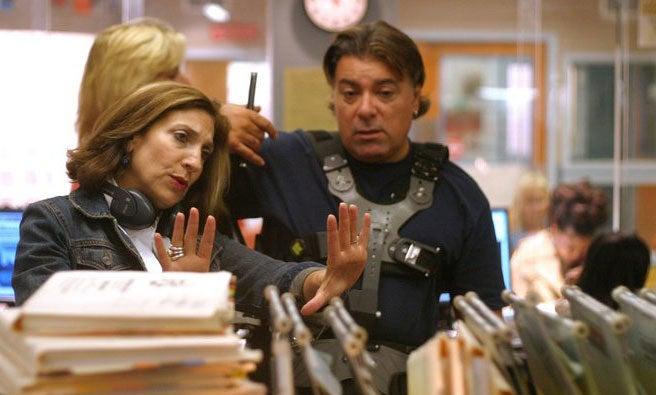 Lesli Linka Glatter directing an episode of NBC's ER.