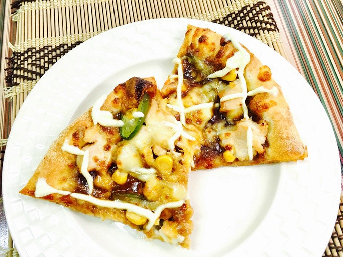 If you ever try to order pizza in Japan, you will quickly learn that pizza is something very different here. You will find potatoes, shrimp, mochi (rice cakes), and even mayonnaise as toppings you can choose from.
