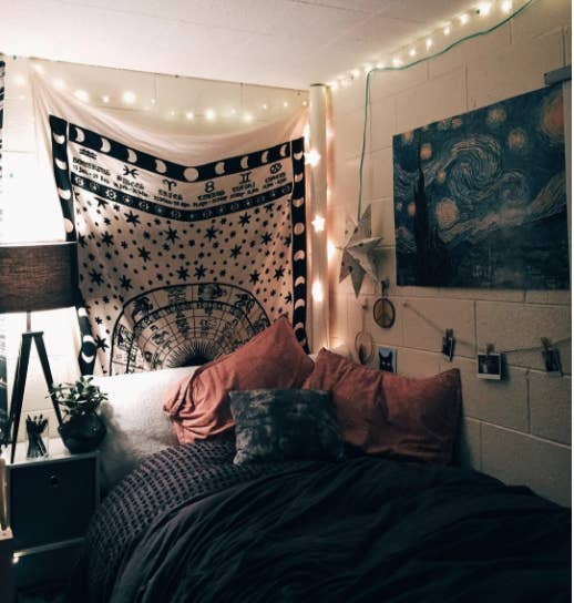 15 Dorm Rooms That'll Make Your Own Bedroom Look Like Total Garbage