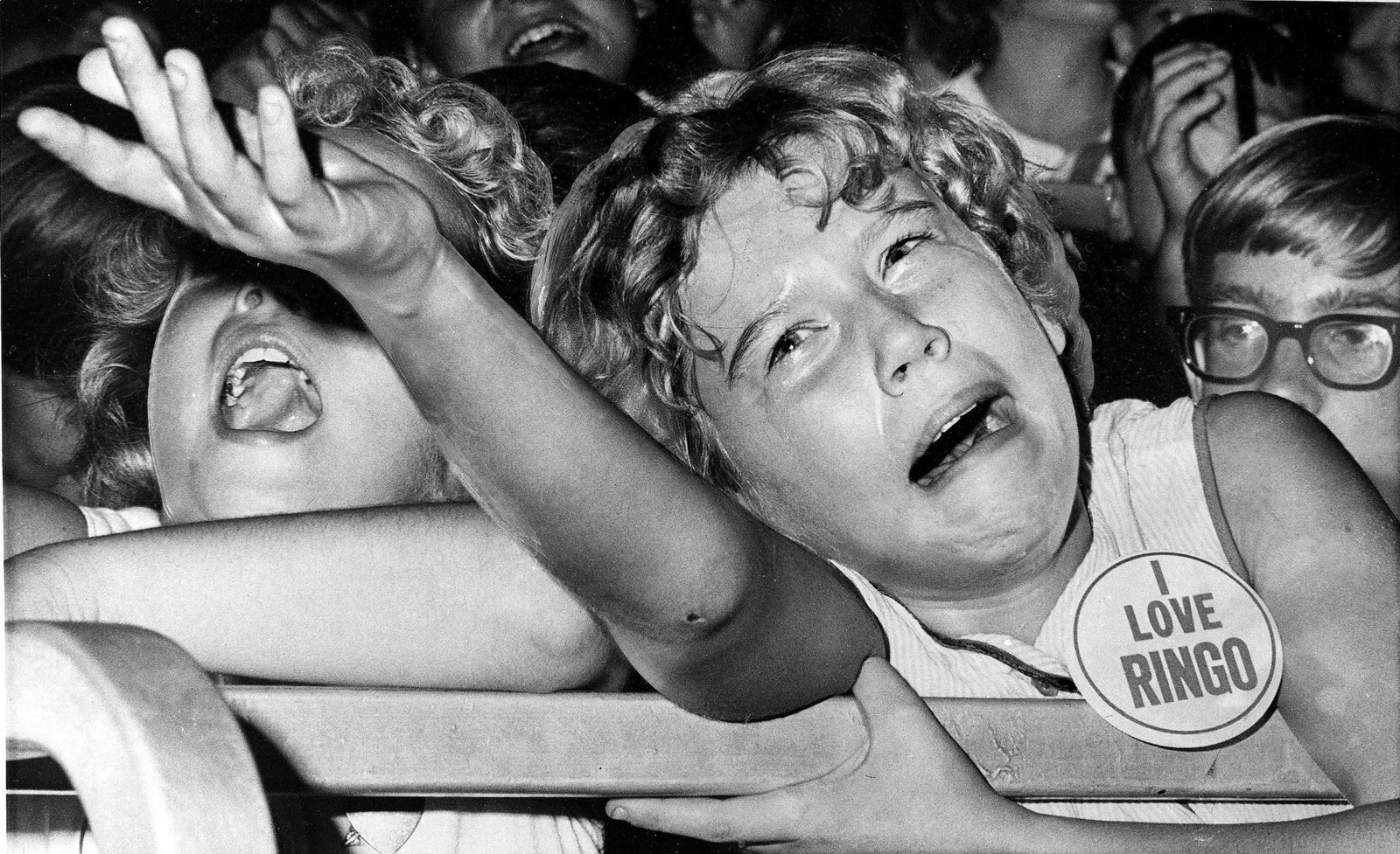 23 Photos That Prove Beatles Fans Were Doing The Absolute Most In The '60s