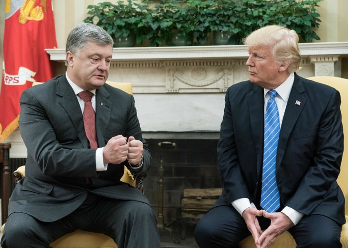 US President Donald Trump meets with his Ukrainian counterpart Petro Poroshenko in the Oval Office.