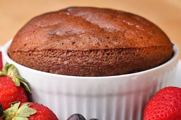 This 2-Ingredient Chocolate Soufflé Is A Piece Of Cake To Make