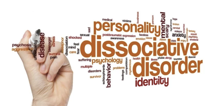 Recently, we asked members of the BuzzFeed Community to share their experiences with dissociative identity disorder. Here, we've included their anonymous experiences as well as input from Dr. Roberto Lewis-Fernández, professor of clinical psychiatry at Columbia College of Physicians and Surgeons. Together, this should give you a better picture of what life is really like with dissociative identity disorder.