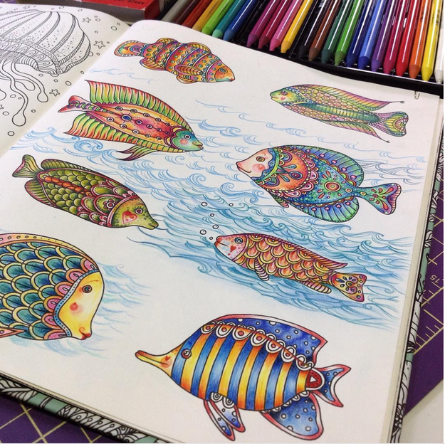Fill in the pages of a coloring book.