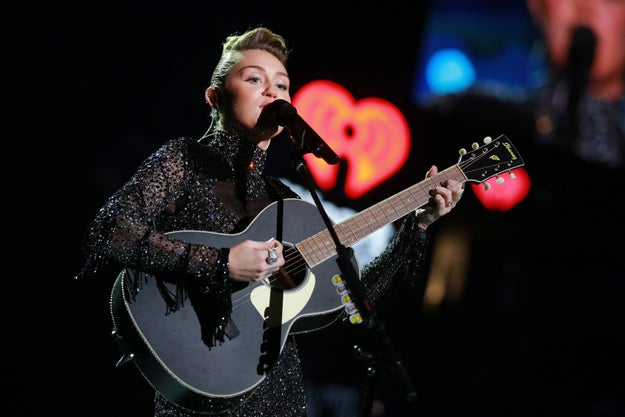 Miley Cyrus performed at the iHeartRadio Festival in Las Vegas last night, and closed out her act with a big surprise.