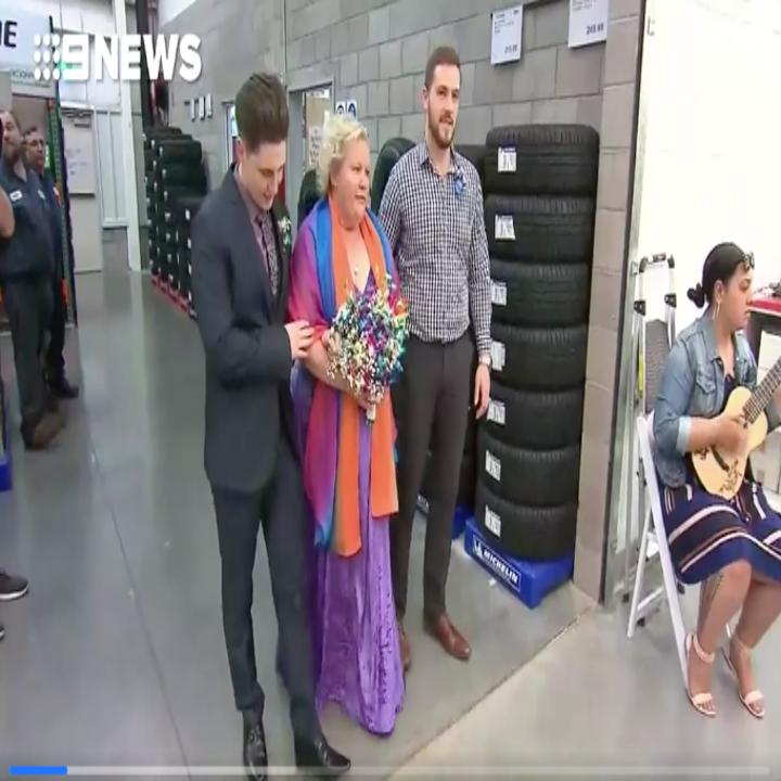 澳洲最狂情侶「在好市多舉辦婚禮」,每個來賓只要300元「熱狗+汽水無限供應」省超爽!