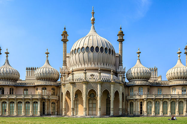 buzzfeed.com - People Think Labour Is Using A Picture Of A Mosque, But It's Actually Brighton Pavillion