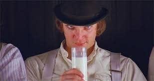 """""""Definitivamente, tengo un rollo retorcido con Malcolm McDowell en el papel de Alex en 'La naranja mecánica'. Es un personaje horrible y obviamente está muy enfermo. Pero hay algo en su presencia tan imponente que encuentro verdaderamente sexy"""".—carolinelizabeth"""