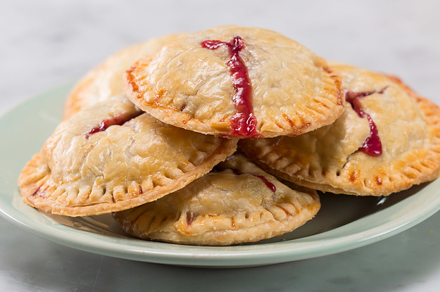 These 4-Ingredient Berries & Cream Hand Pies Are Absolute Perfection
