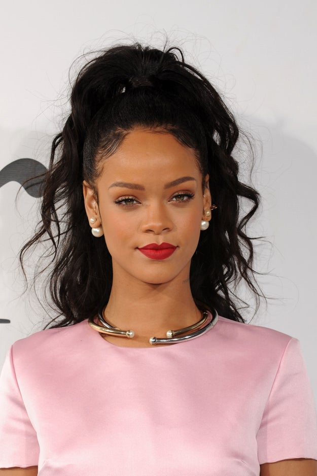 You will never in your life see a more perfect cupid's bow than Robyn Rihanna Fenty's.