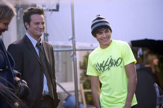 TBT to when Matthew Perry's character in 17 Again jumped into a time vortex and turned into Zac Efron.