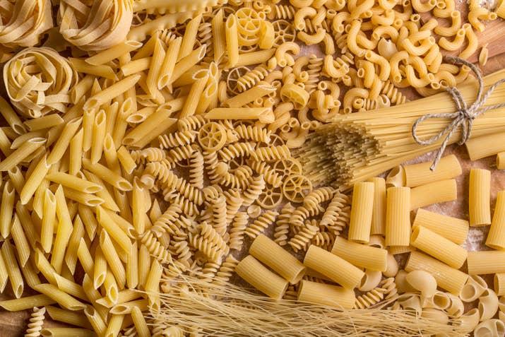 Y se calcula que el número de nombres es unas cuatro veces mayor que el número de formas. Espagueti, farfalle y fettuccini no son más que el principio.