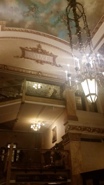 13 Ghost Stories From Hotels That'll Make You Want To Sleep With The Light On