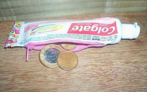 This tasteful coin purse.