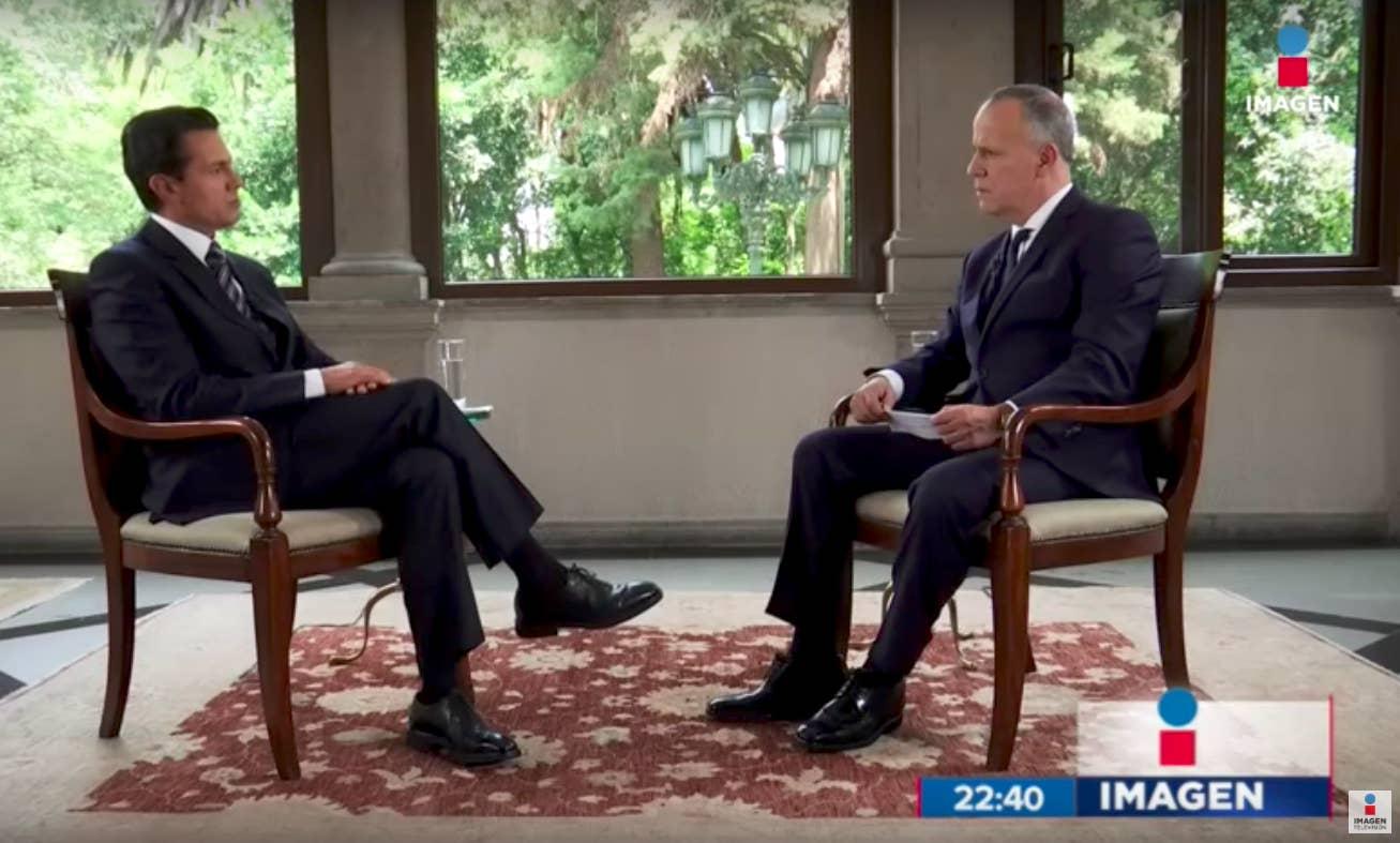 El presidente Enrique Peña Nieto en entrevista en agosto pasado con Ciro Gómez Leyva, titular del noticiero estelar de Imagen Televisión.