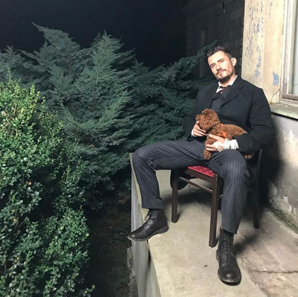 Orlando Bloom was dapper with his dog.