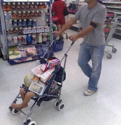 Ich meine, wieso einen einwandfreien Kinderwagen verschwenden?
