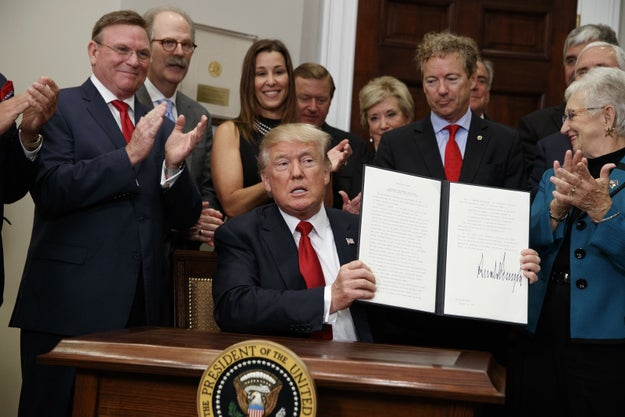 Last Thursday, Donald Trump signed an executive order on healthcare, surrounded by Republicans and business leaders.
