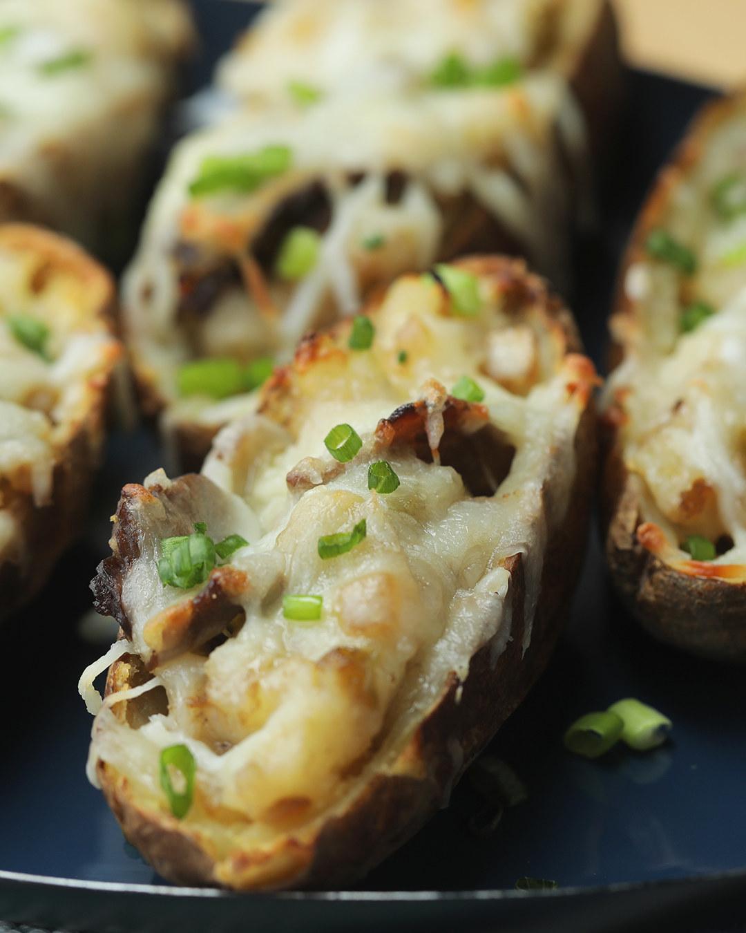 Philly Cheesesteak Mozzarella Potato Skins