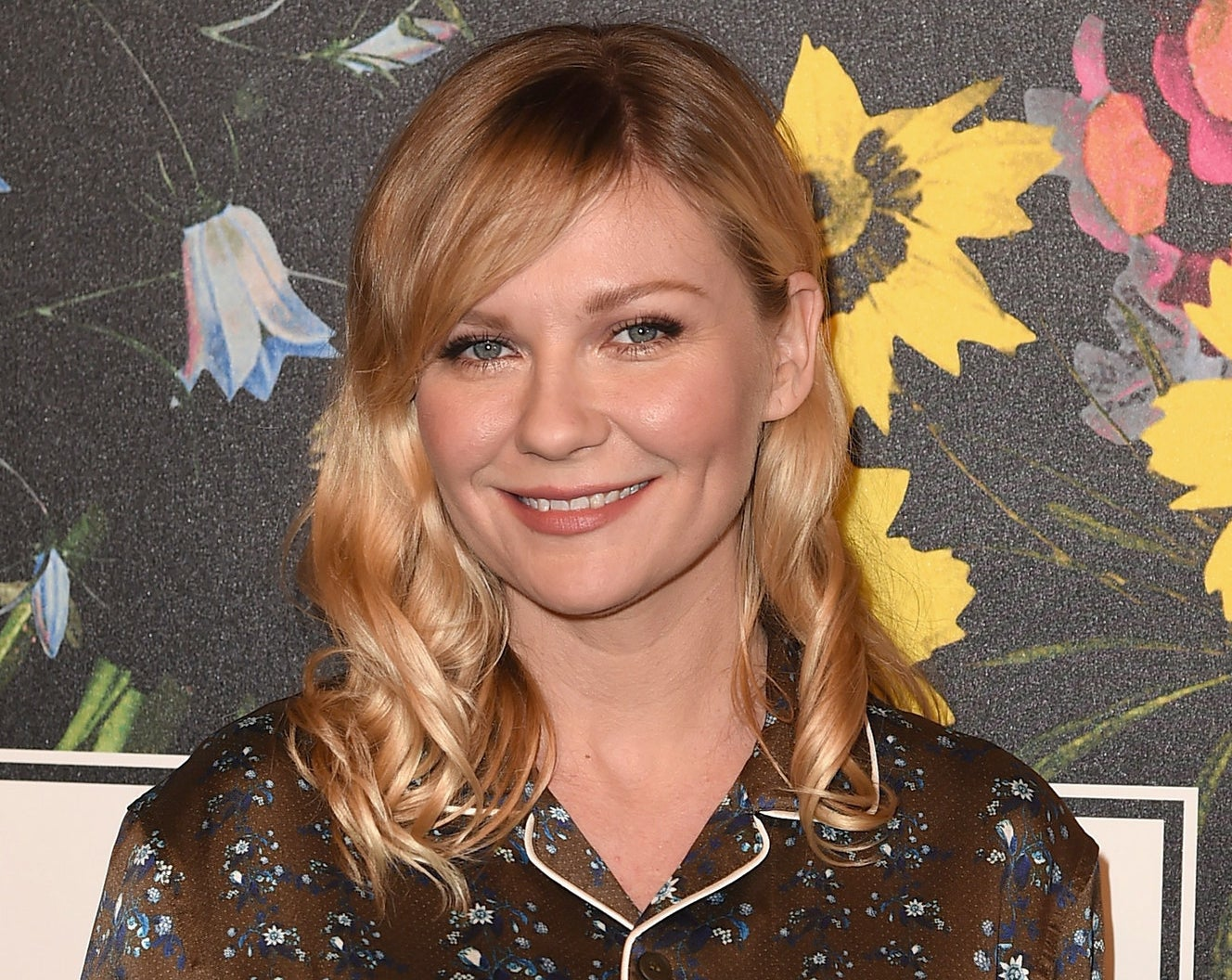 Kirsten Dunst doesn't usually respond to her Twitter mentions, but when she's does it's worth some recognition. And that's exactly why we're here now!