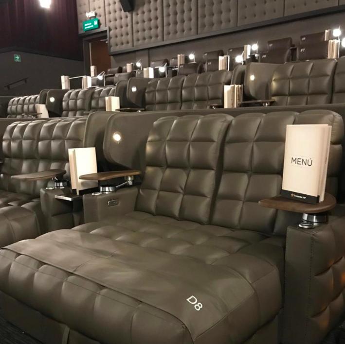 Salas De Cine En Casa: Los Nuevos Asientos De Cinépolis VIP Están Haciendo Que La