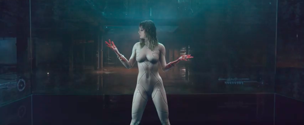 Remember back in the olden times of Monday, when Taylor Swift released a surprise teaser for her new music video and the entire world went into a frenzy because it looked like she was naked?