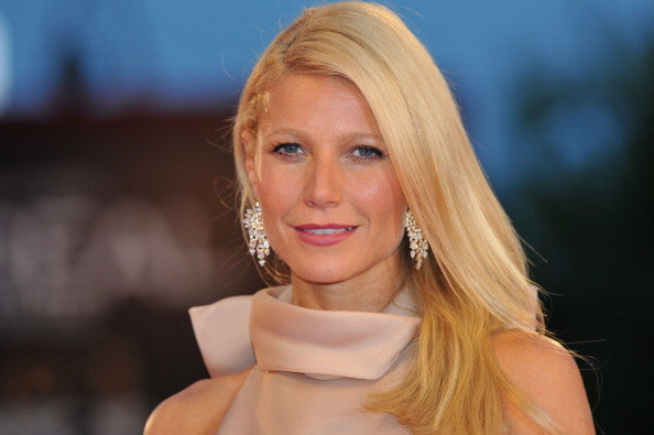 Hi there. I know we're all hyped because it's HalloWEEK and all that, but I need to show you guys something. This is Gwyneth Paltrow, you know her.