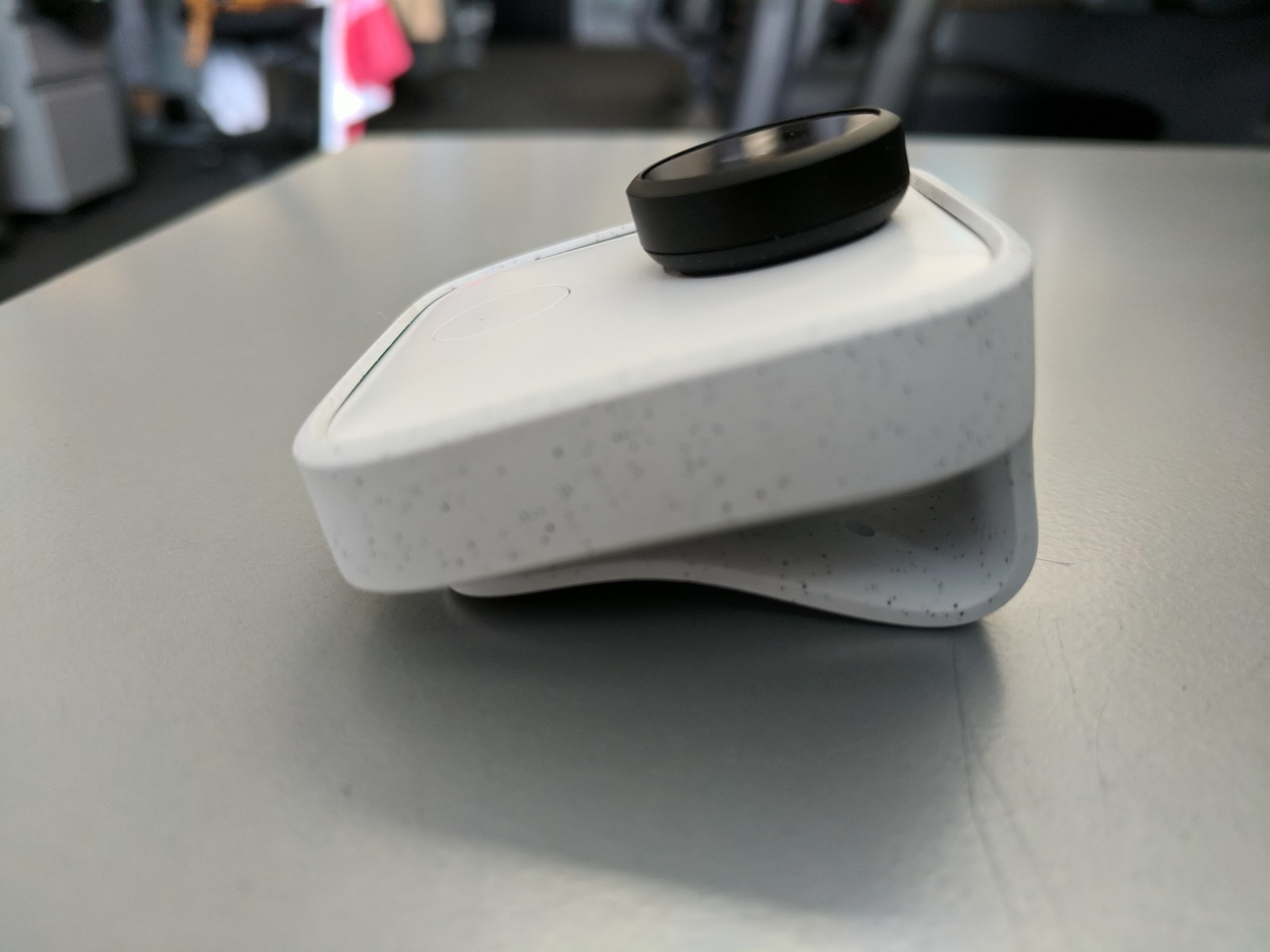 Google Clips is a tiny AI-powered camera