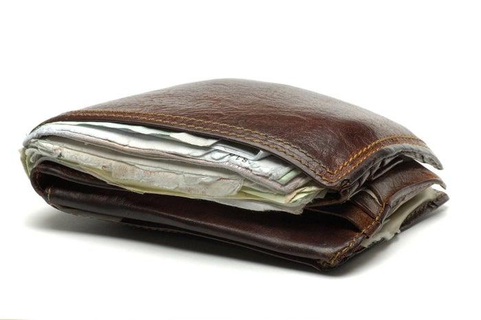 毎日使う財布って、レシートや小銭ですぐにパンパンになってしまいますよね。もしかしたら、財布を変えればスッキリするかもしれません!今回は、コンパクトなのにしっかり機能的な「ミニマリスト財布」をご紹介します。※記事で紹介した商品を購入すると、売上の一部がBuzzFeedに還元されることがあります。