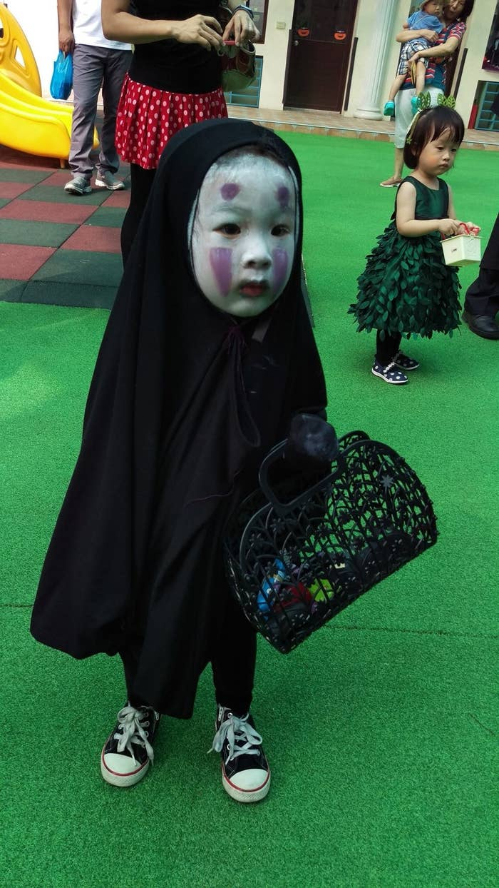 The Little Girl Who Dressed Up As No Face Last Year Has