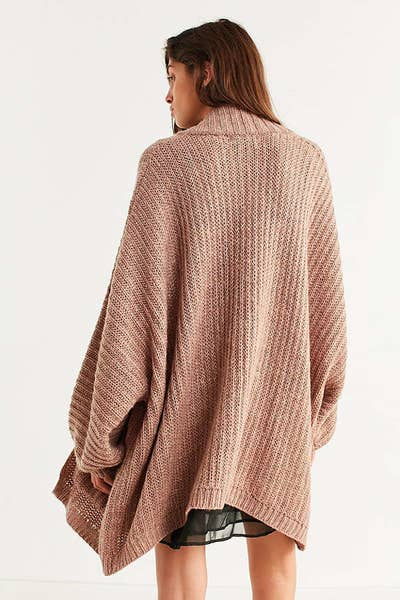 6da70e4921 29 Ridiculously Cozy Oversized Cardigans To Wear All Autumn