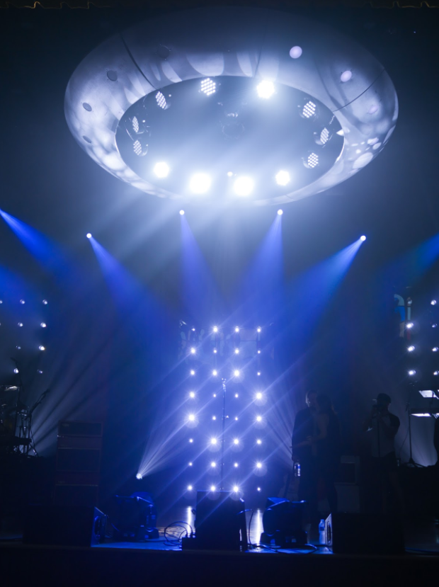 Sooo, for my new tour, I wanted a huge spaceship with crazy lights above my head, so I designed one and we built it!