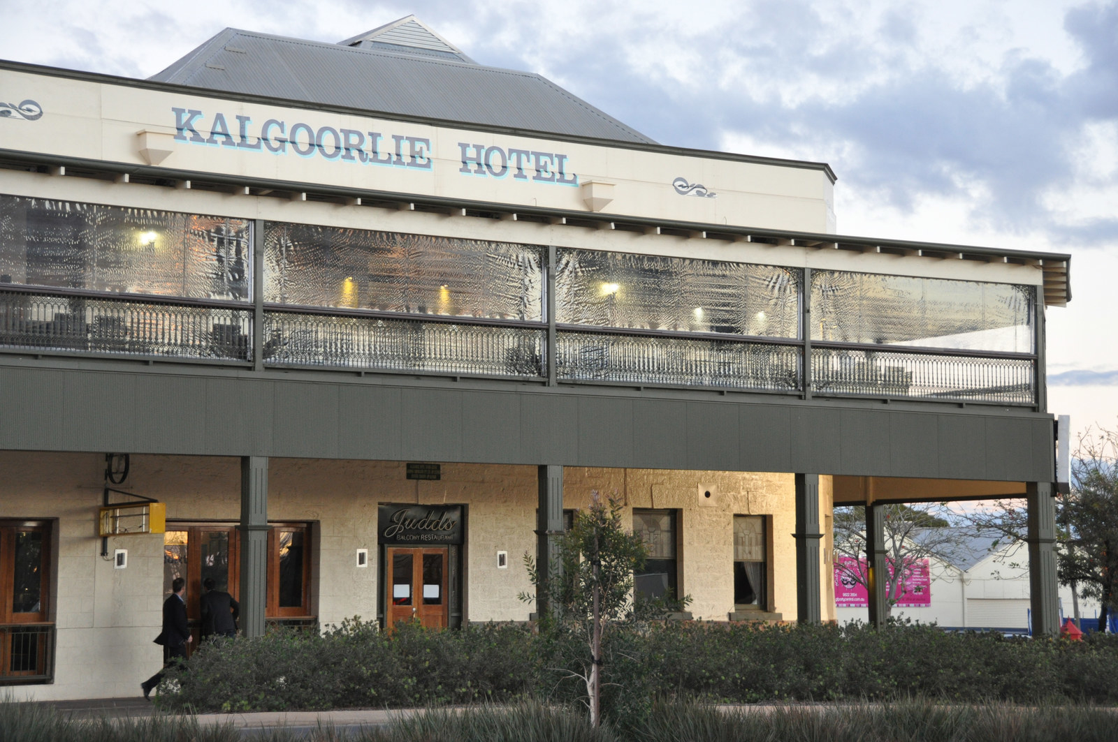 kalgoorlie christian girl personals Browse photo profiles & contact from kalgoorlie, eastern region, wa on australia's #1 dating site rsvp free to browse & join.